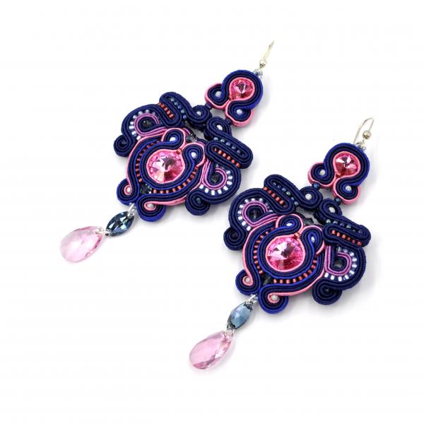 Kolczyki sutasz pink & dark blue MALLOW | Leśna Pracownia Biżuterii Ewa Wronka Eva Sutasz