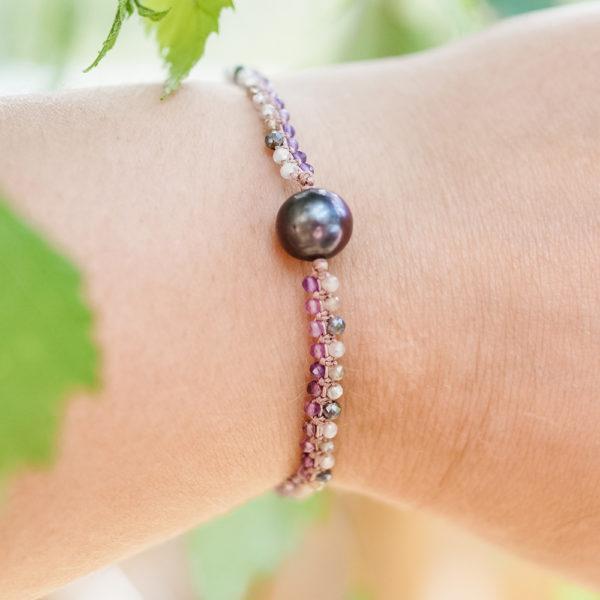 Bransoletka z kamieni naturalnych, ametyst, kamień księżycowy i perła – Siła Kobiecości 100% Polski wyrób